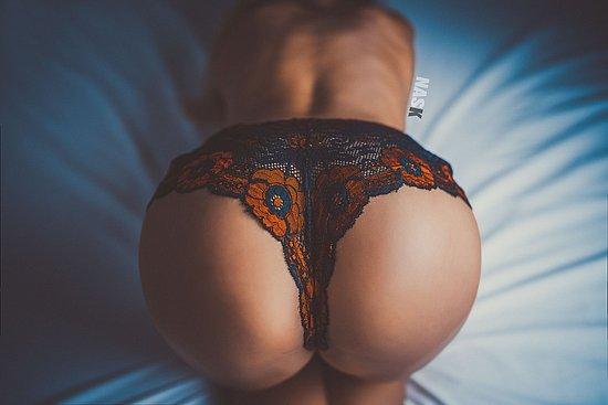 bonus_butts_3034.jpg