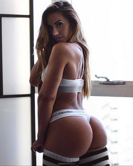 bonus_butts_4153.jpg