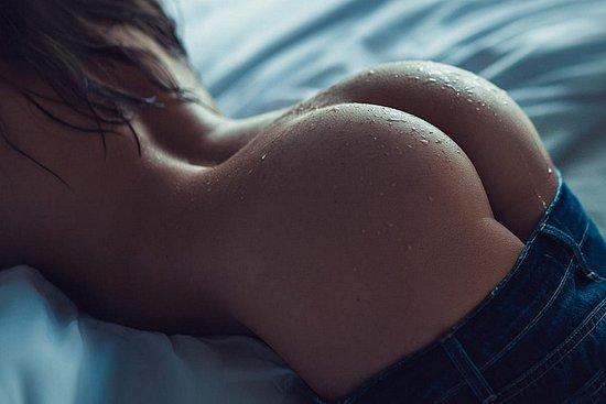 bonus_butts_4407.jpg