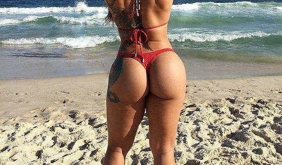 bonus_butts_5485.jpg