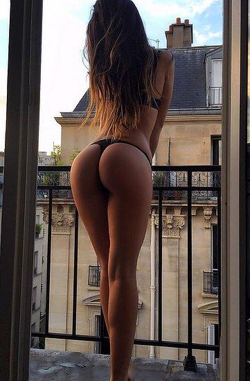 bonus_butts_5777.jpg