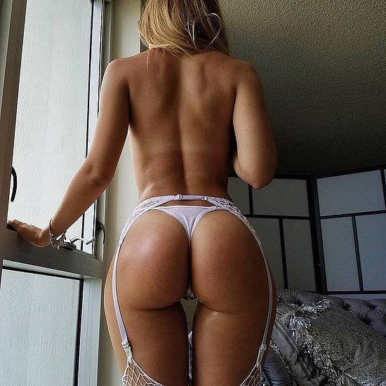 bonus_butts_5927.jpg