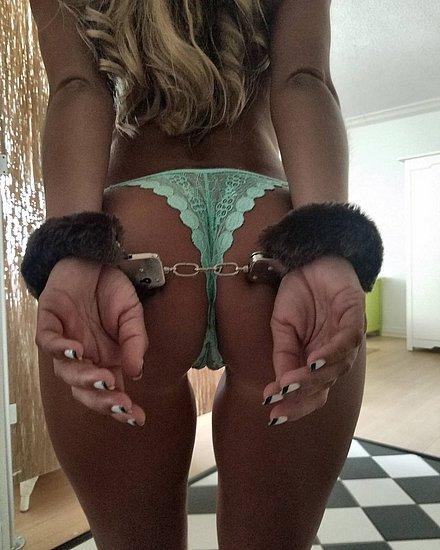bonus_butts_6422.jpg