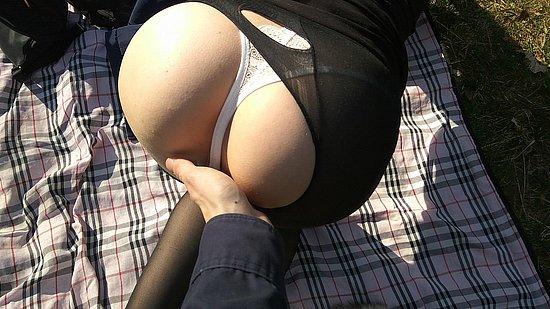 bonus_butts_6437.jpg