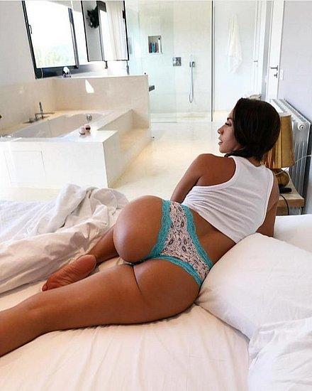 bonus_butts_6445.jpg