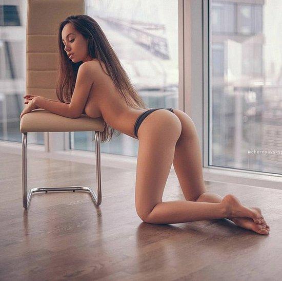 bonus_butts_6477.jpg