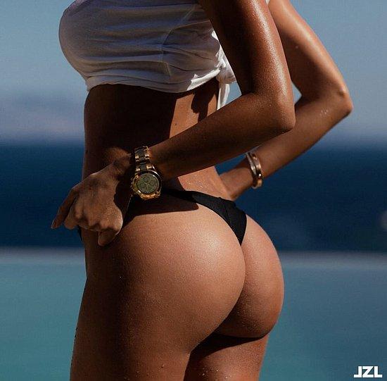 bonus_butts_6479.jpg