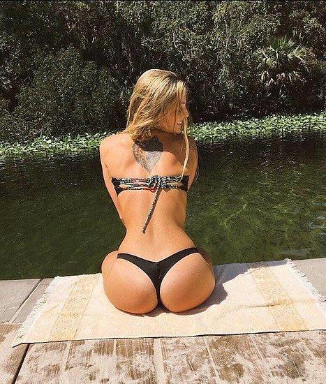bonus_butts_7310.jpg