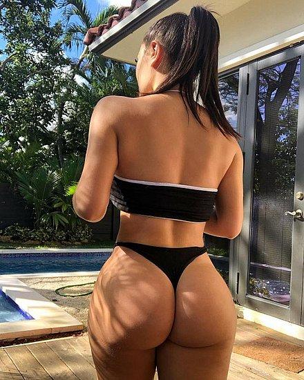 bonus_butts_7316.jpg