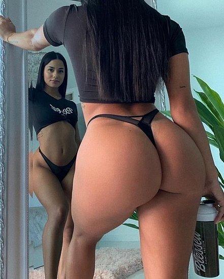 bonus_butts_7825.jpg
