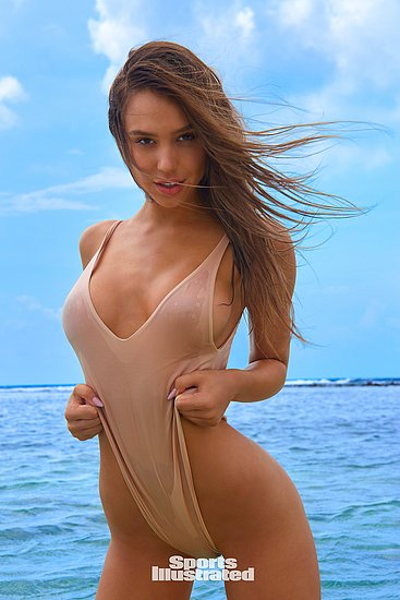 alexis_ren_sports_illustrated_2018_146411.jpg