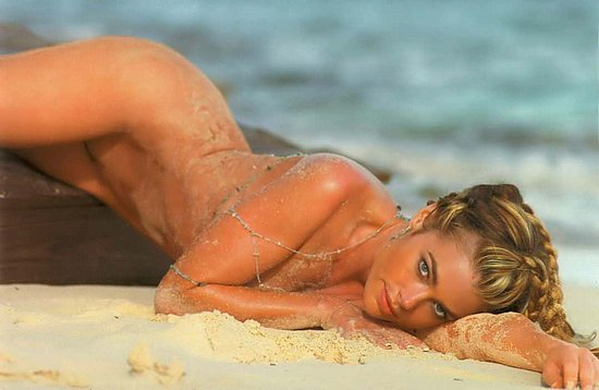 denise_richards_playboy_11.jpg