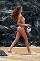 izabel_goulart_beach_03.jpg