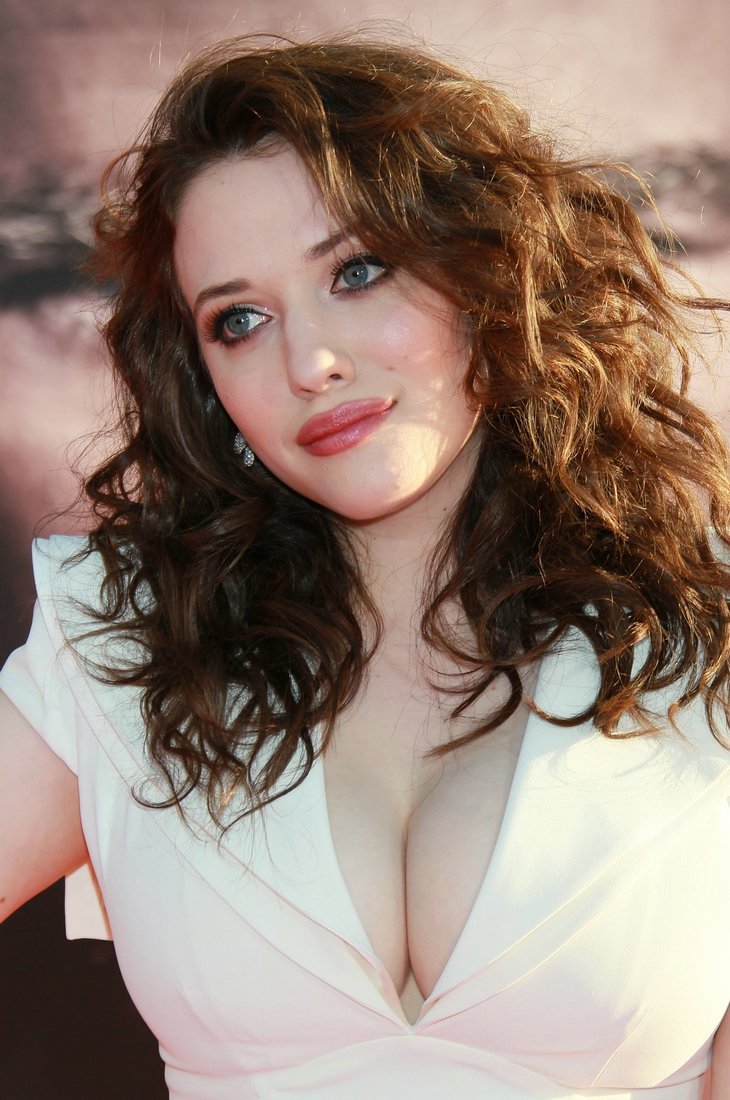 kat dennings big boobs thor