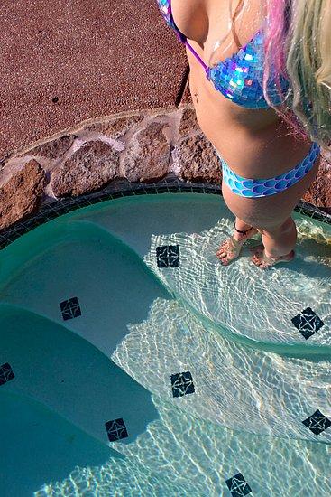 bikini_teens_37.jpg