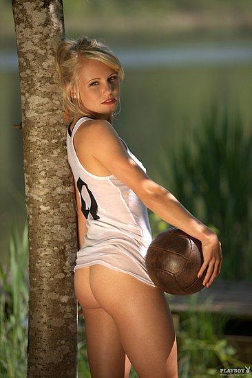 german_national_woman_soccer_team_naked_playboy_07.jpg