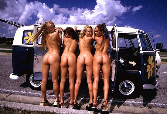 girls_and_cars_09.jpg