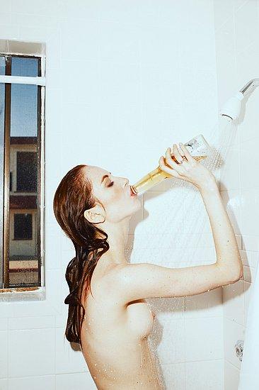 girls_in_bathtubs_41.jpg