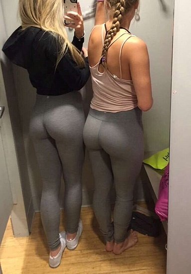 girls_in_yoga_pants_17.jpg