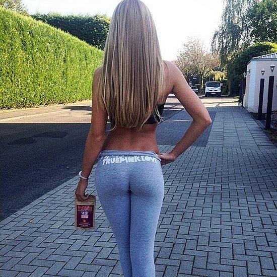 girls_in_yoga_pants_24.jpg