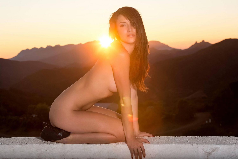 malane morgan and the sun set