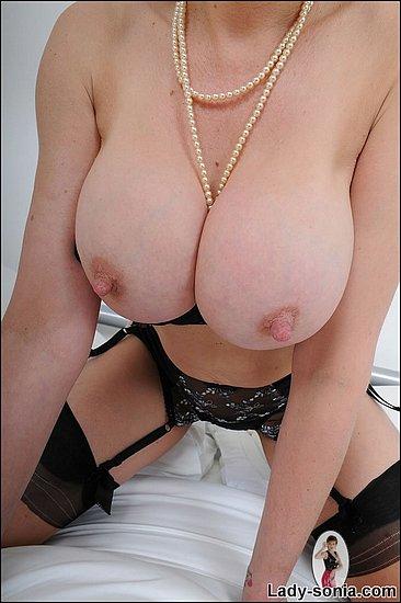 nipples_31.jpg
