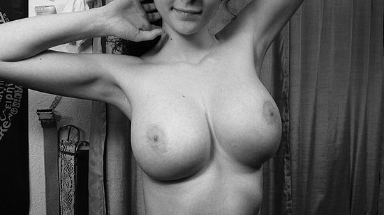 unknown_busty_amateur_20.jpg