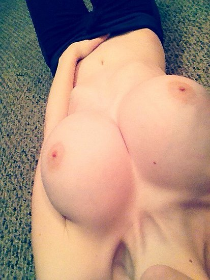 unknown_busty_amateur_86.jpg