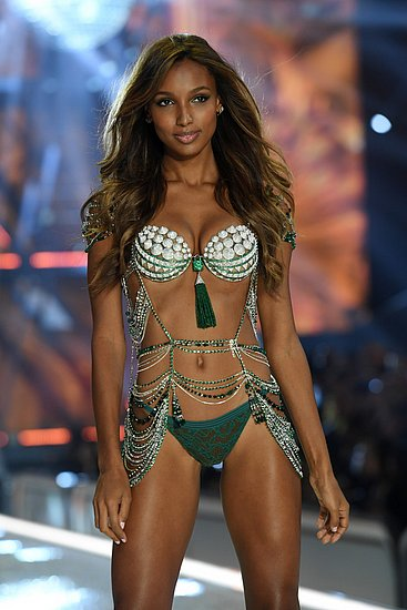 victorias_secret_fashion_show_2016_13.jpg