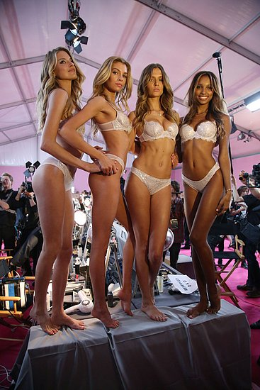 victorias_secret_fashion_show_2016_47.jpg