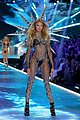 victorias_secret_fashion_show_2018_03.jpg