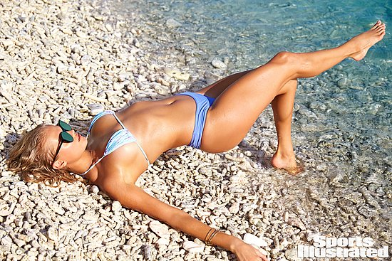 vita_sidorkina_sports_illustrated_18.jpg