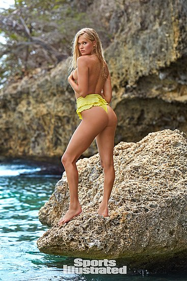 vita_sidorkina_sports_illustrated_27.jpg