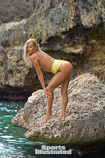 vita_sidorkina_sports_illustrated_28.jpg